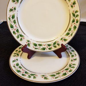 Holly Holiday Dinner Plates Set 2 Home for Holiday